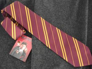 OFFICIAL WARNER BROS. HARRY POTTER GRYFFINDOR HOUSE TIE