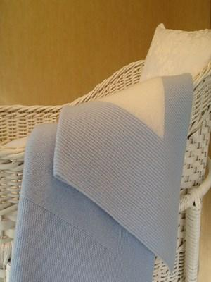 Blue and White Cashmere Baby Blanket (90 x120cm)